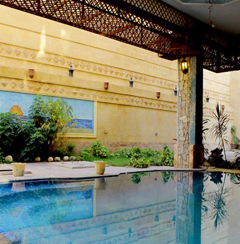 حمام السباحة والأنشطة الترفيهية