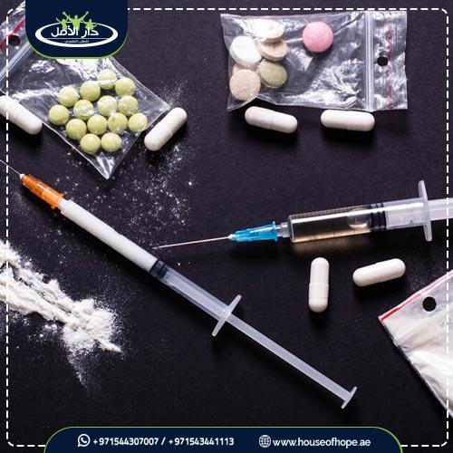 المخدرات وتأثيرها السلبي على الشباب